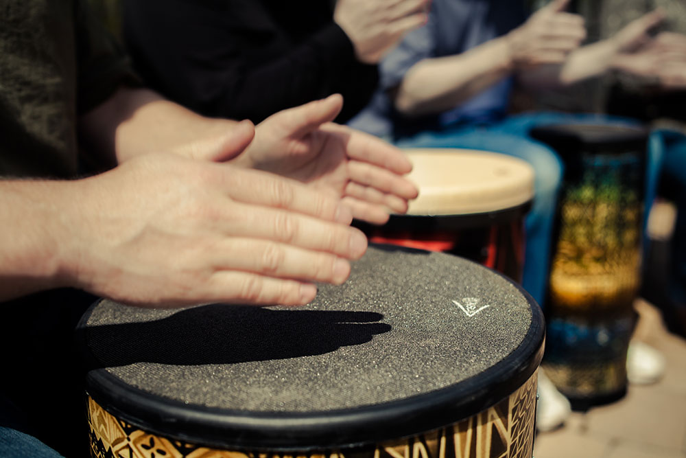 hands drumming